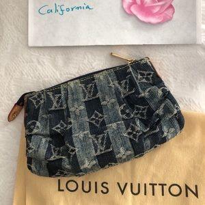 Sold 💙Louis Vuitton denim Trousse Pouch